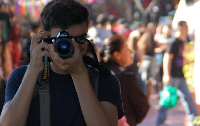Visual Variety in Portraiture for Teens (ages 12-18) with David Zentz (One week) – Summer