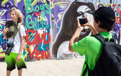 Beginning Photography for Teens: Part 1 and Part 2 (ages 12-18) with Julia Dean (In-Person Learning – Five Sessions)