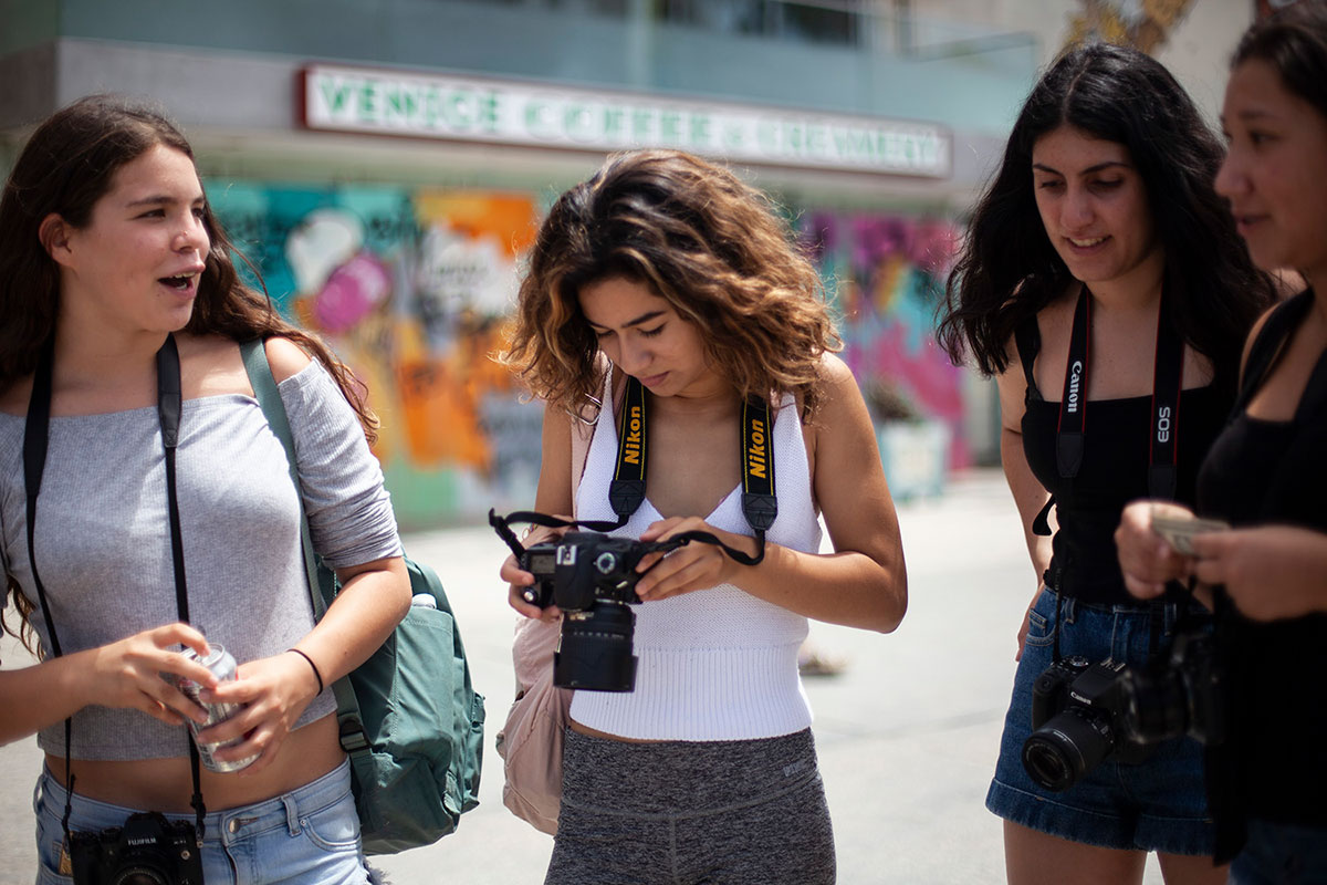 Beginning Photography for Teens: Part 1 and Part 2 (ages 12-18) with Amy Tierney (In-Person Learning – Five sessions)