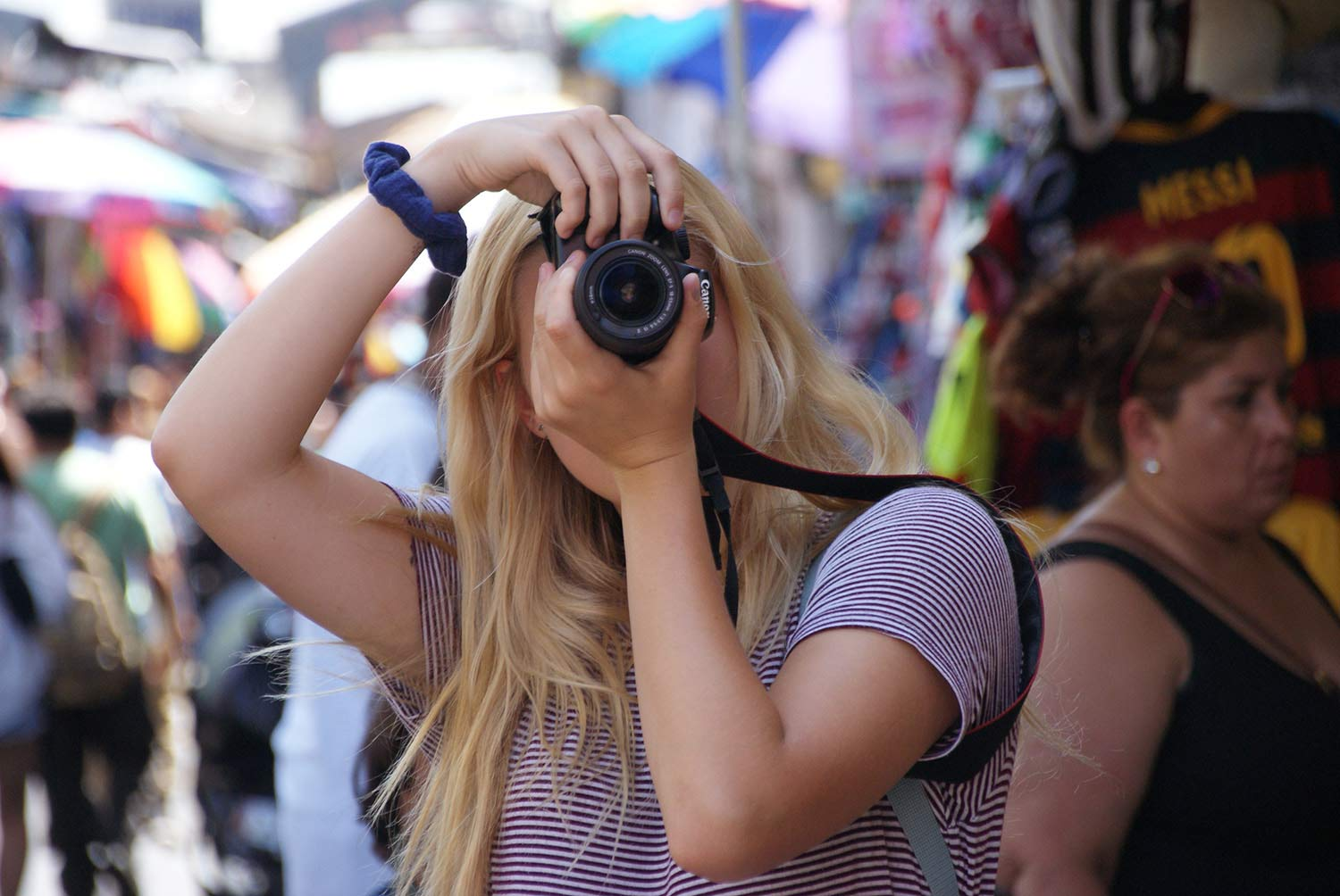 Basic Digital Photography for Teens (ages 15-18) with Gina Valona (One week) – Summer