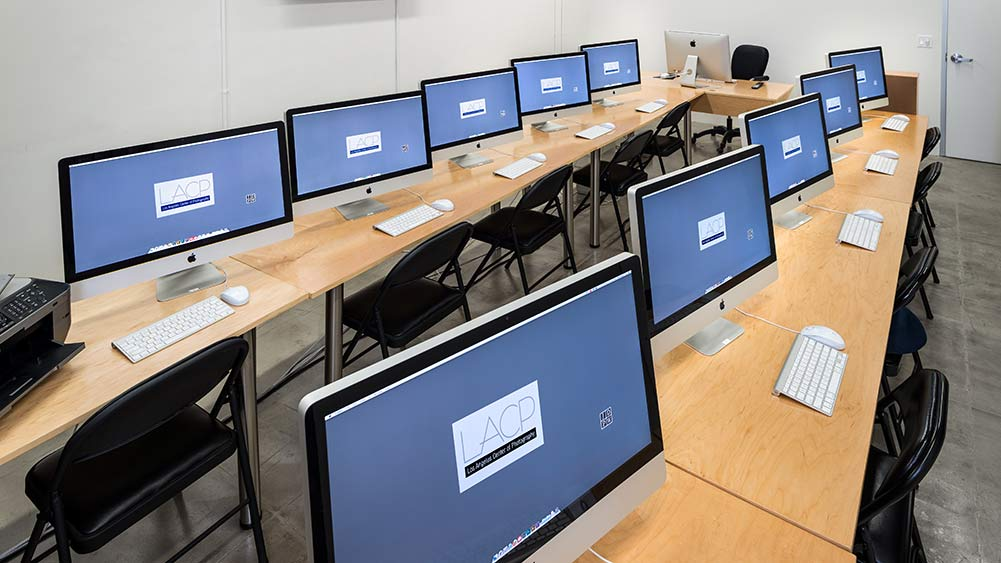 "The digital lab at LACP with 27"" iMac computers"