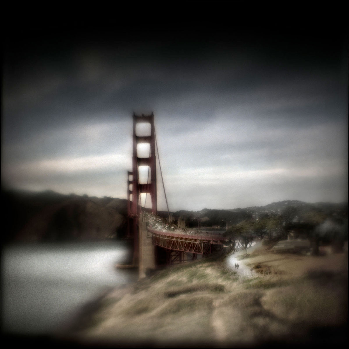 Contemporary Fine Art Photography:  Discovering Your Voice with Susan Burnstine (Online Learning – Six Sessions)
